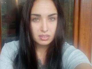 Webcam model OliviaMore from XLoveCam