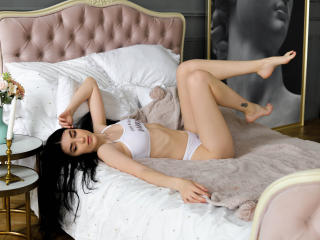 Webcam model PassionGirlll from XLoveCam
