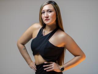 Webcam model PenelopeMay from XLoveCam
