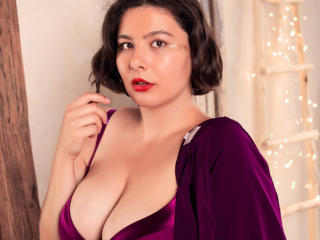 Webcam model PennyLucky from XLoveCam