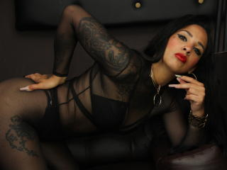 Webcam model PervertDoll from XLoveCam