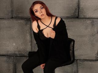 Webcam model PolinaKroft from XLoveCam