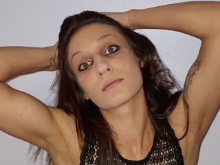 Webcam model PrettyErika from XLoveCam