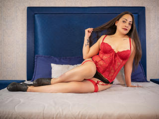 Webcam model RaquelSimons from XLoveCam