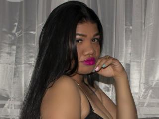 Webcam model RebeccaBans from XLoveCam