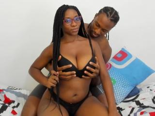 RomeoAndGreicy: Live Cam Show