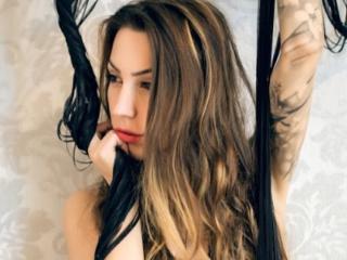 Webcam model RubinRossey from XLoveCam