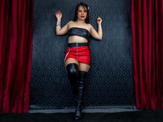 Webcam model SamantaWarner from XLoveCam