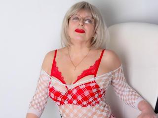 Webcam model SamanthaLala from XLoveCam