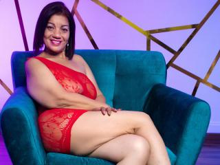 Webcam model SamiraStone from XLoveCam