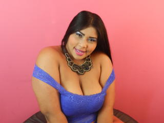 Webcam model SammyJhones from XLoveCam