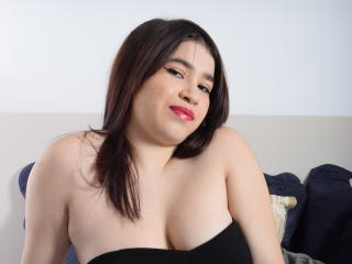 Webcam model SaraDaniela from XLoveCam