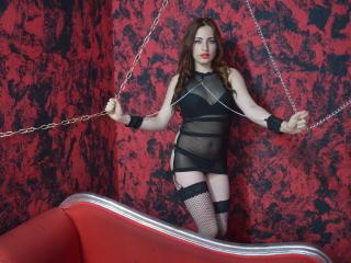 Webcam model SaraSinFulBody from XLoveCam