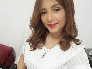 Webcam model SarahGoseline from XLoveCam