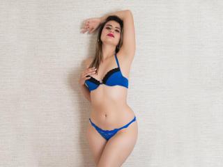 Webcam model SarahGraace from XLoveCam