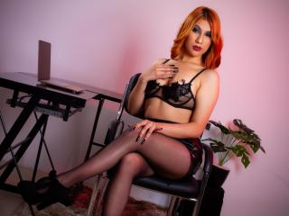 Webcam model SelahBarton from XLoveCam