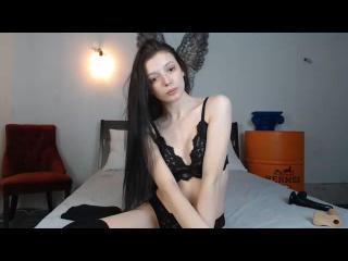 Webcam model SexxyMonica from XLoveCam