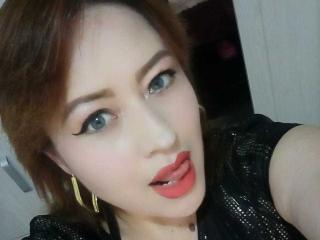 Webcam model SexyCaroliine from XLoveCam