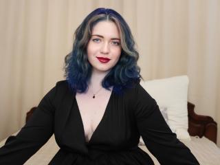 Webcam model SharlotteKelly from XLoveCam
