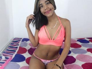 Webcam model SharonDelice from XLoveCam