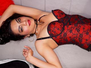 Webcam model SilvanaFonseca from XLoveCam