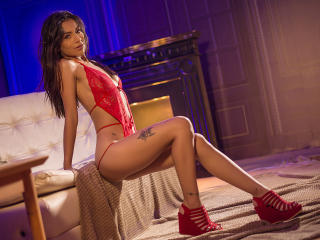 Webcam model SofiLambert from XLoveCam