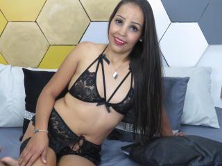 Webcam model SofiaEvanson from XLoveCam
