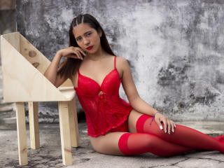 Webcam model SofiaMartinez from XLoveCam