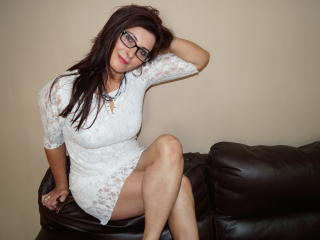 Webcam model SophieSexy from XLoveCam