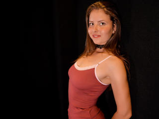 Webcam model SunnySofia from XLoveCam