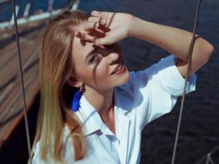 Webcam model SunsetSun from XLoveCam