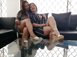 Webcam model SusanAndSofia from XLoveCam