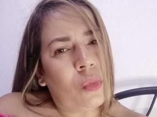 Webcam model SussanBrand from XLoveCam