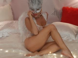 Webcam model SweetAriell from XLoveCam