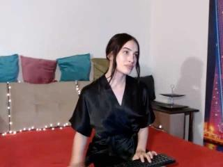 Webcam model SweetCamilaLa from XLoveCam