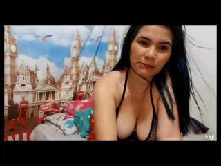 Webcam model TaamaraSuarez from XLoveCam