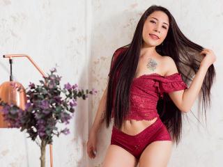 Webcam model TanyaLorens from XLoveCam