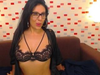 Webcam model ThaliaSexy from XLoveCam