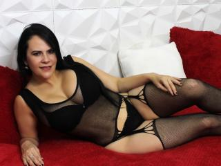 Webcam model TiffanyGoldX from XLoveCam