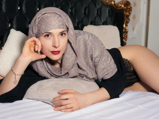 Webcam model TishaArab from XLoveCam