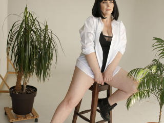 Webcam model TyanaHotty from XLoveCam