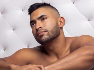 TylerJones shaved busty