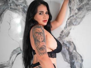 Webcam model ValeriaMark from XLoveCam