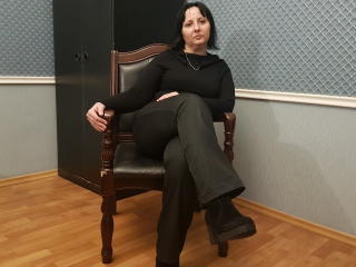 Webcam model ValeryVar from XLoveCam