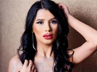 Webcam model VanessaLunna from XLoveCam