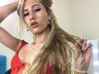 VanityCumX: Live Cam Show
