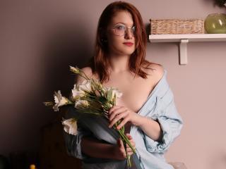 Webcam model VeronikaSmart from XLoveCam