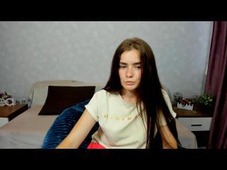 Webcam model VivianDi from XLoveCam