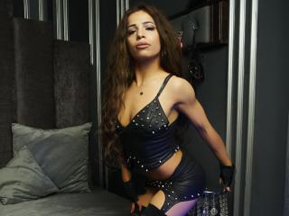 Webcam model WantedSarah from XLoveCam