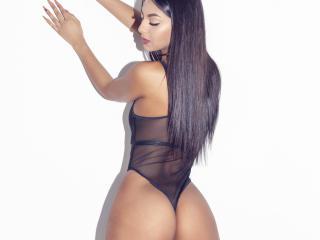 Webcam model WhitneyJackson from XLoveCam